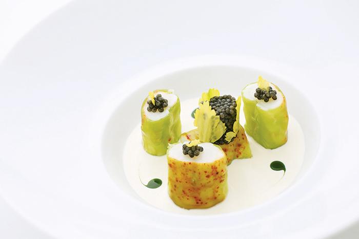 """小龙虾被称作""""海之千金"""",香芹汁非常清爽,柚子和小龙虾很般配。© Taste Of Life"""