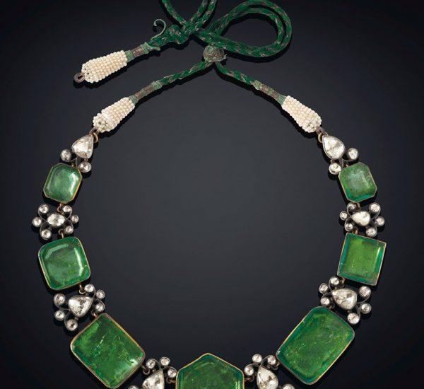 由祖母绿、钻石和小颗珍珠组成的项链,哥伦比亚祖母绿,十九世纪中后期